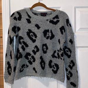 Leaopard warm fuzzy sweater